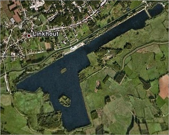 most-bizarrely-shaped-lakes-and-rivers10