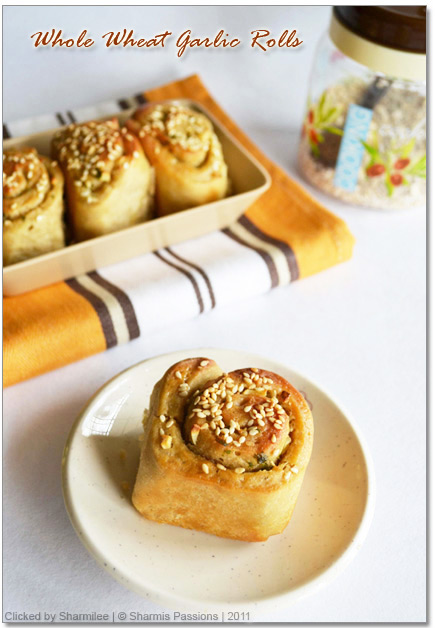 Whole Wheat Garlic Rolls Recipe
