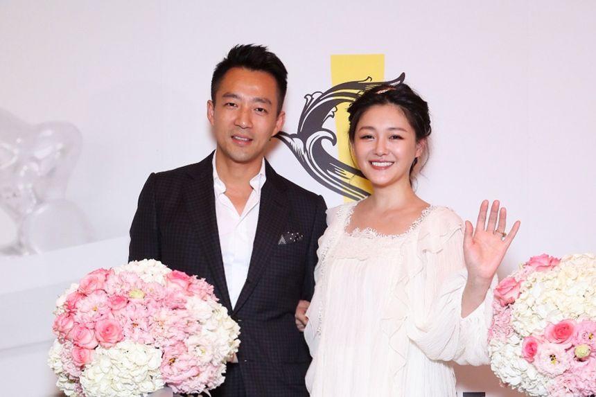 Phản ứng của mẹ và chồng trước tuyên bố ly hôn của Từ Hy Viên
