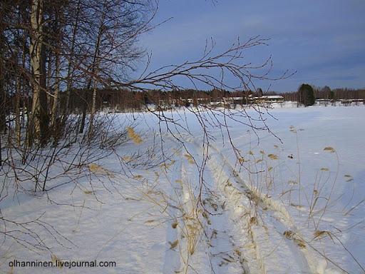 Проложенная самими лыжниками лыжня по озеру Уннукка