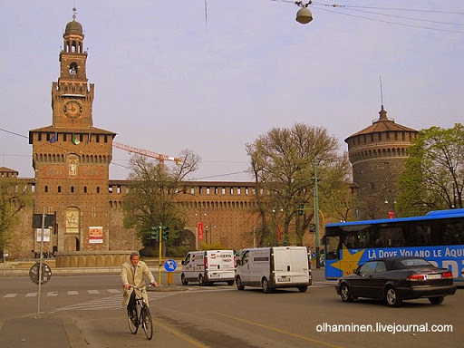 Миланский Замок Сфорца построен в XV веке