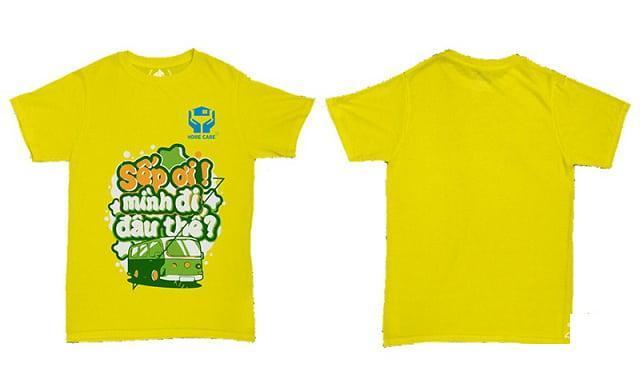 Mẫu áo đồng phục cổ tròn màu vàng với slogan độc đáo