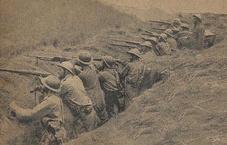 Soldados paulistas na trincheira. (Fonte: Wikimedia Commons)