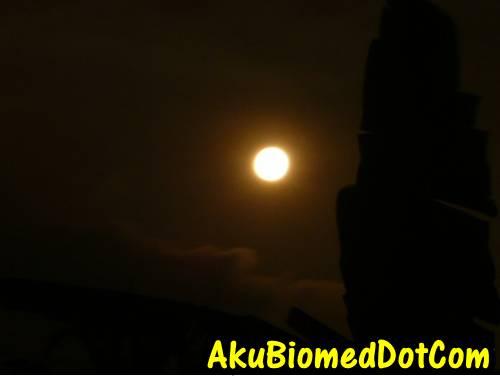 Orange Moon kelihatan di Rawang