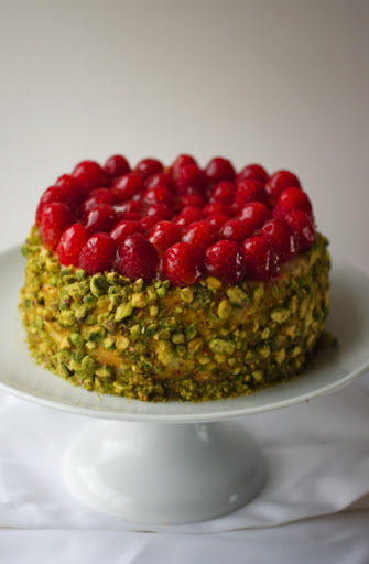 Raspberry and Pistachio Baked Cheesecake