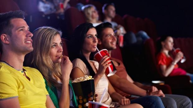 Kết quả hình ảnh cho đi xem phim