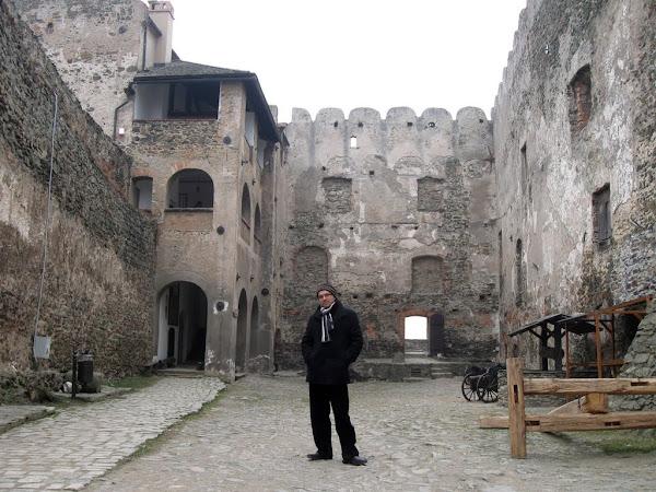 Zamek Bolków - dziedziniec główny