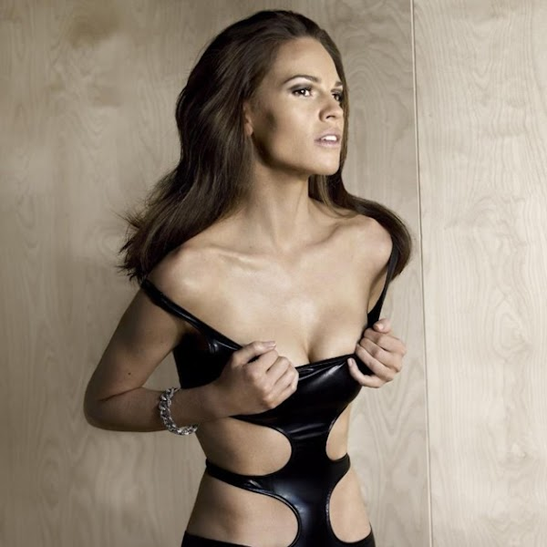 Hilary Swank is hotter than I remember:celebrities,fashion girl0