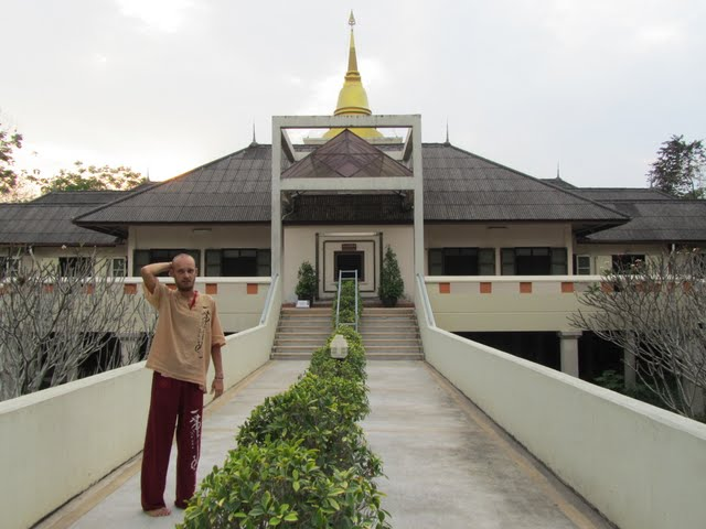 10-day Vipassana course Thailand