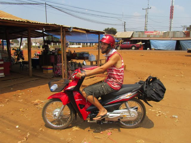 Sekong to Attapeu by motorbike