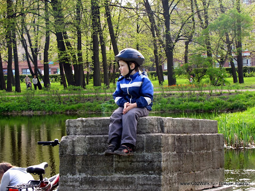 Весна плавно перетекает в лето! Nordic Walking в Парке Победы.