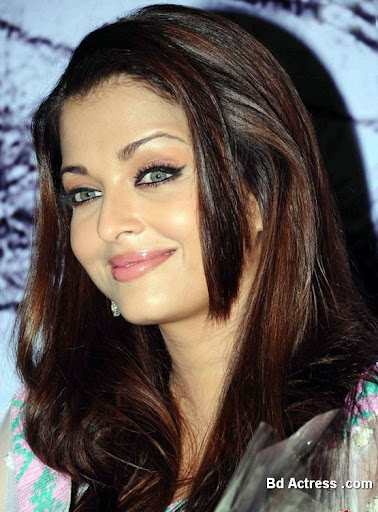 Bollywood Actress Aishwarya Rai Photo-03