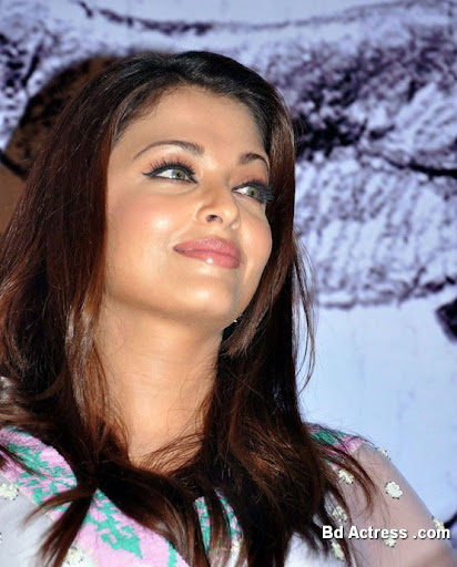 Bollywood Actress Aishwarya Rai Photo-04