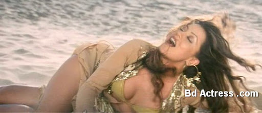 Bollywood Actress Mahima Chaudhary Photo-01