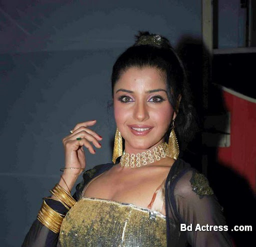 Bollywood Actress Saadhika Randhawa Photo-03