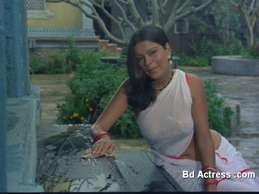 Bollywood Actress Zeenat Aman Photo-01