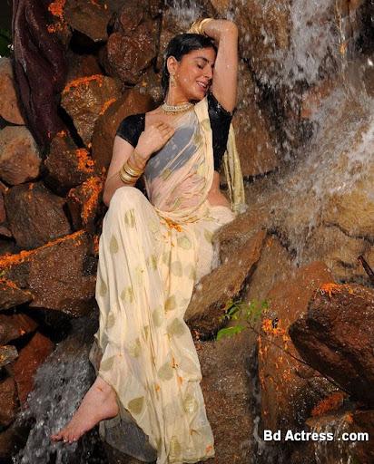 South Indian Actress Shradha Arya Photo-01
