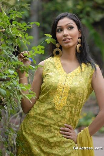 Bangladeshi Model Nabila Karim pic