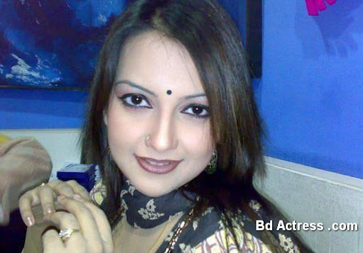 Bangladeshi Model Nowshin mobile photo