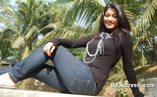 Bangladeshi Model Sarika black wear