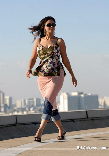 Glamour Model Simran walk