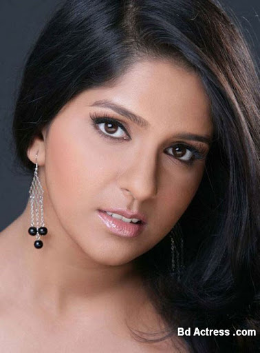 Indian Model Aparna Nair face
