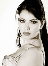 Persian Model Layla Atefi Thumbnail
