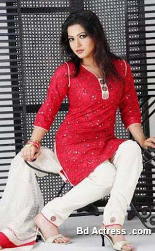 Bangladeshi Model Badhon photo