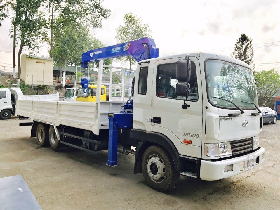 D:\HỢP DỒNG\Pictures\HYUNDAI\CẨU\hình xe cẩu hyundai\HD210\TADANO 5 TẤN 4 KHÚC\xe-tải-hyundai-14-tấn-gắn-cẩu-tadano-5-tấn-4-khúc-tm-zt504 (2).jpg
