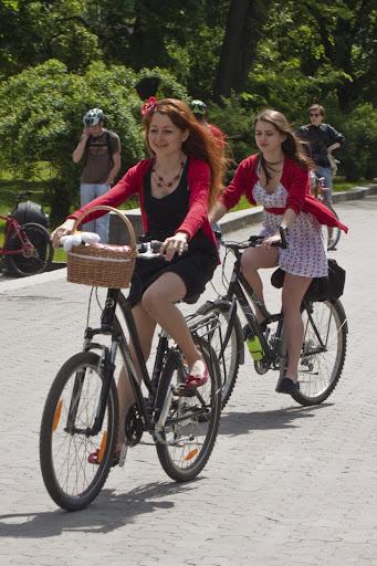 Велопарад дівчат - фото Dyak