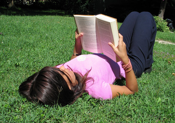 woman-reading summer | Spirit-Fire | Flickr
