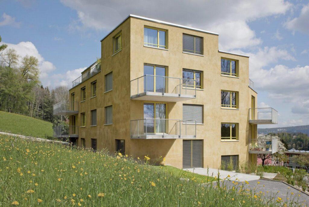 Et billede, der indeholder græs, udendørs, himmel, bygning Automatisk genereret beskrivelse