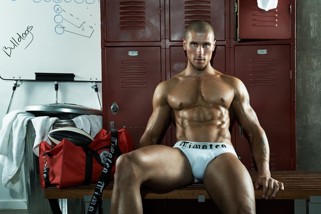 Inside the Locker Room with TIMOTEO [men's fashion]