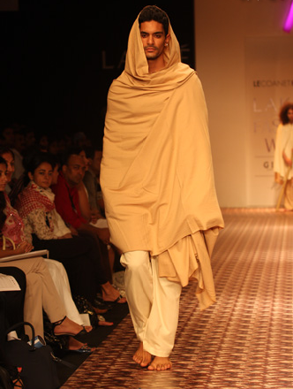 Lecoanet Hemant: a Trilogy of Franco-Indian Couture [men's fashion]