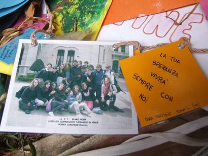 Sizilien - Palermo - Bild einer Schulklasse am Falcone-Baum