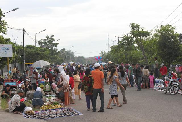 Pasar kaget kampus Telkom