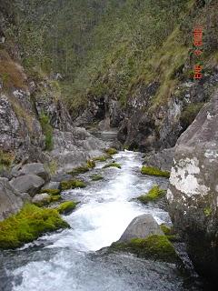 Barranco y río