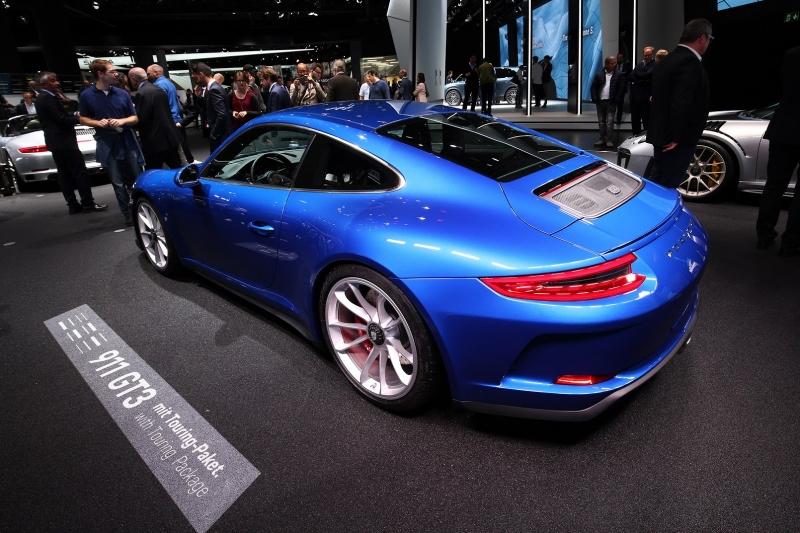 Porsche_911_GT3_Touring_2017_zive_foto_09_800_600.jpg