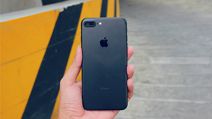 Chênh nhau 2 củ, nên mua iPhone 8 Plus hay iPhone 7 Plus?
