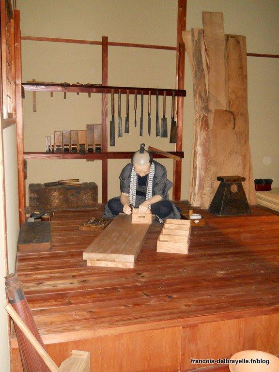 Un artisan dans son atelier à Edo