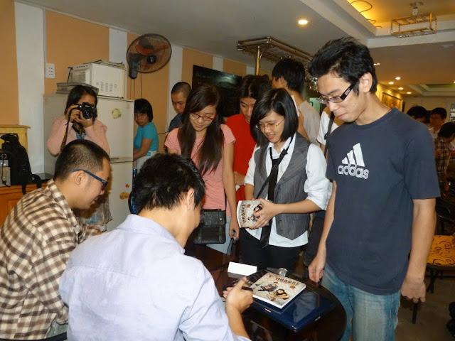 Ra mặt bộ Truyện Tranh giới trẻ Việt đang mong đợi P1070361