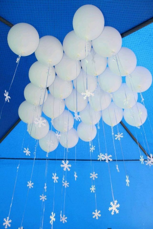 Balloons make clouds and snow from the ceiling