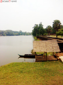 the lake of angkor wat