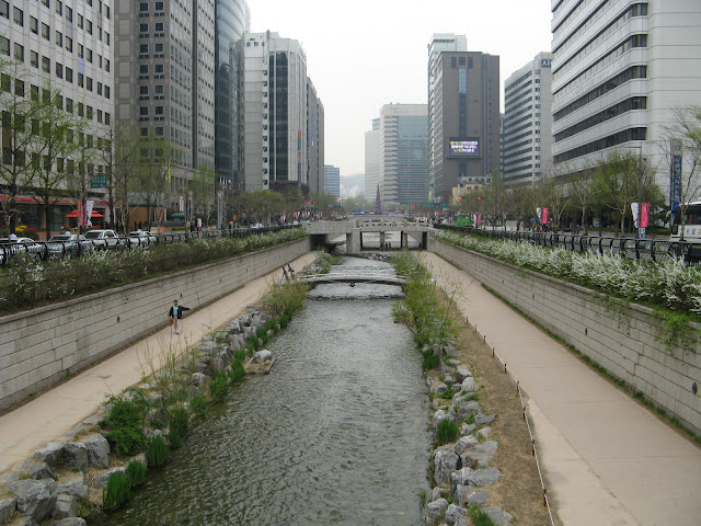 A Stream in Downtown Seoul