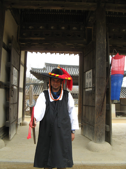 Wearing a hanbok, taking a break from my head and behaving like a normal tourist for once