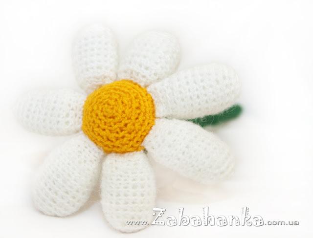 Вязана квітка