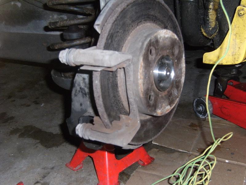 [Tuto] frein et changement moyeu (roulement) arrière (hgt) DSCF1835