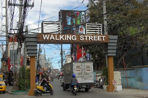 アンヘレスのなんちゃってウォーキングストリート