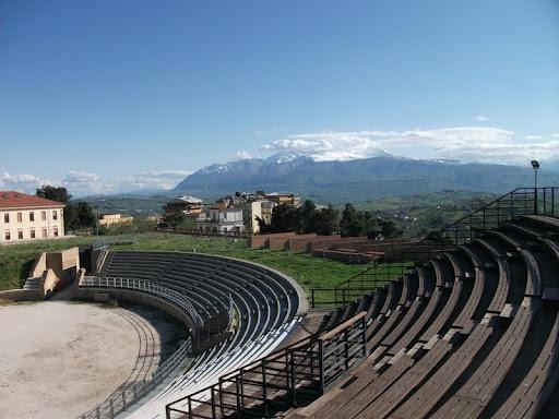 Parco Archeologico E Anfiteatro Della Civitella  Chieti
