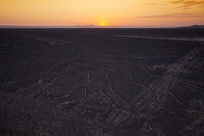 Descubre el significado de las líneas de Nazca viajando con Movil Tours
